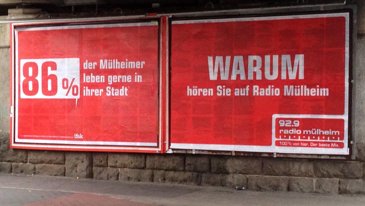 Großflächige Plakate der Crossmedia-Kampagne hängen in Bochum auf Plakat-Werbeträgern. Foto: Westfunk