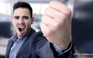 Viele Mitarbeiter sehen die Beschwerde als Angriff des Kunden und reagieren eher mit einer abwehrenden Haltung. Foto: Carballo/Fotolia.com