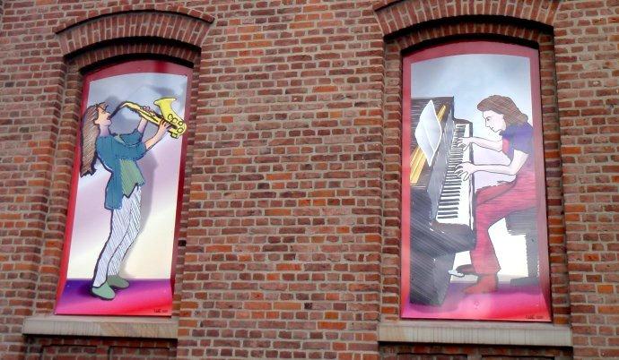 Fenstermotive der Musikschule Linden