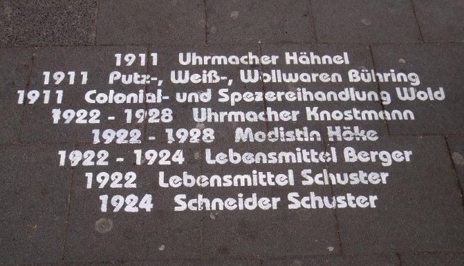 Stadtteilgeschichte auf dem Boden geschrieben