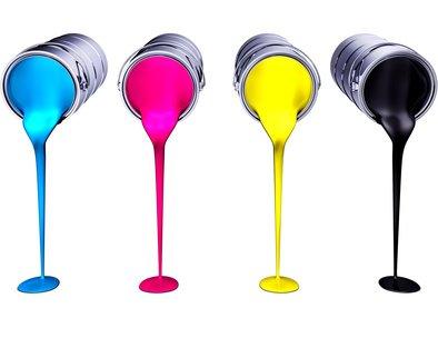 Vier Farben laufen aus vier Eimern aus