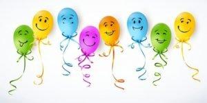 Ballons mit glücklichen Gesichtern