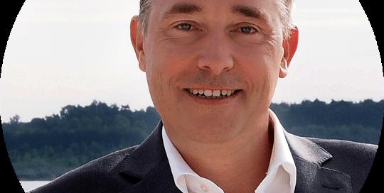 Heiko T. Ciesinski arbeitet erfolgreich als selbständiger Kommunikations- und Verkaufstrainer.