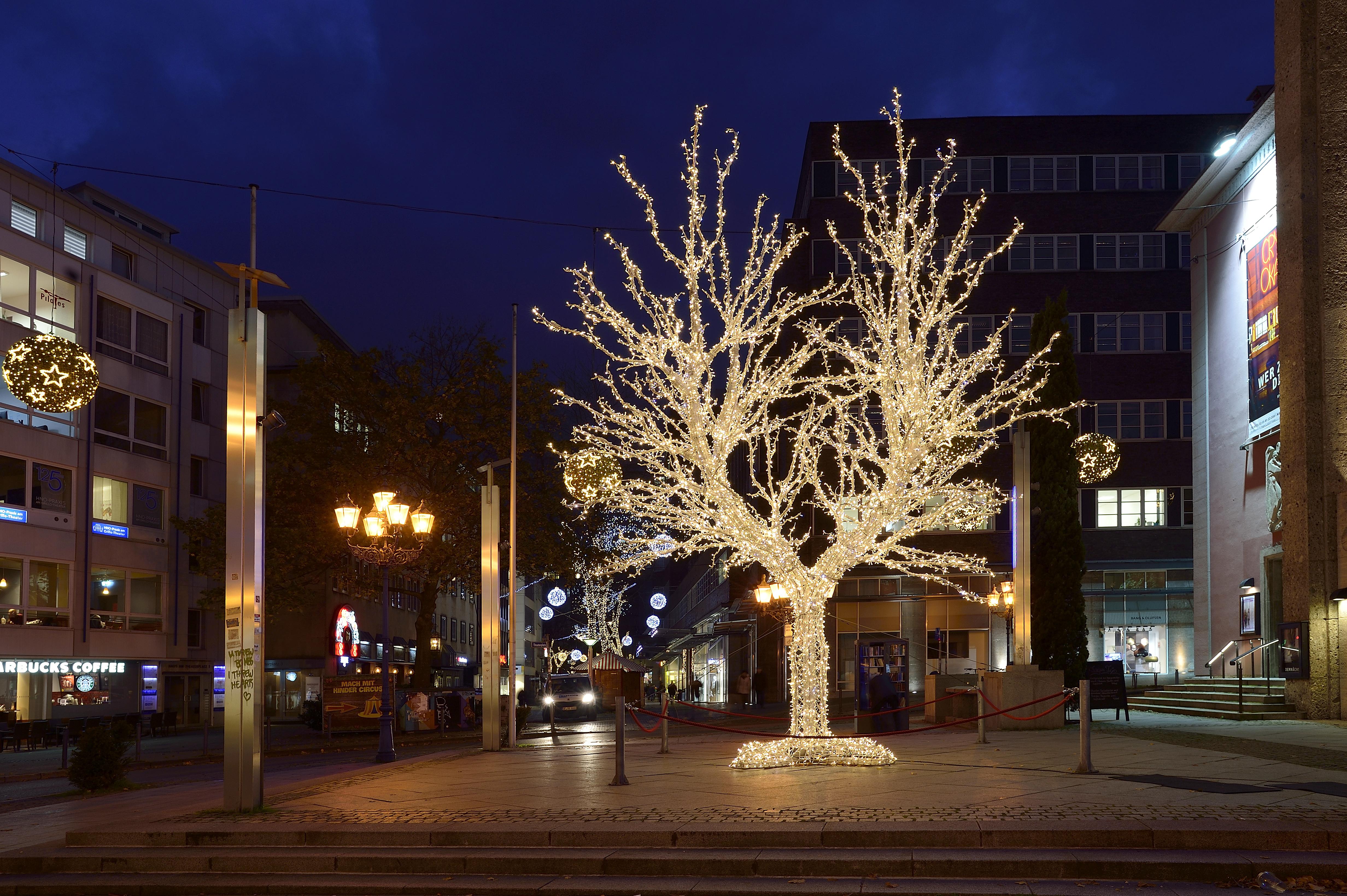 Essener Lichtwochen 2017, Station: Tree of Lights. Foto: Ralph Lueger.