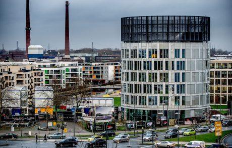 Der Büroturm des Neubaus der FUNKE MEDIENGRUPPE mit der zukünftigen NewsWall fotografiert am Montag, 04.12.2017, in Essen. Foto: Kai Kitschenberg/Funke Foto Services