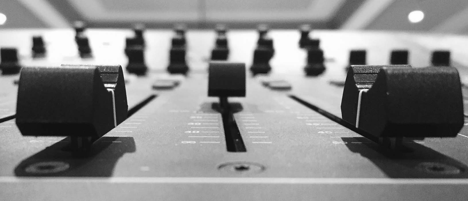 Die Kosten der Radiowerbung setzen sich aus zwei Kostenblöcken zusammen. Foto: Pixabay