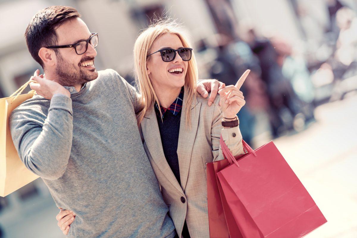 Gerade beim Shopping wird das Gender Marketing oft angewendet, um Geschlechter gezielt anzusprechen. Foto: Ivanko80/Fotolia.com