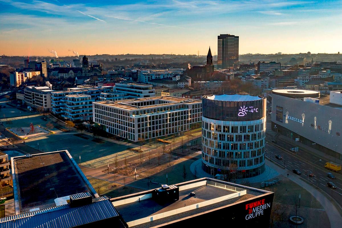Am neuen Dreh- und Angelpunkt der Essener Innenstadt lassen sich jetzt Bewegtbildkampagnen darstellen. Foto: Ralf Rottmann/FUNKE Foto Services