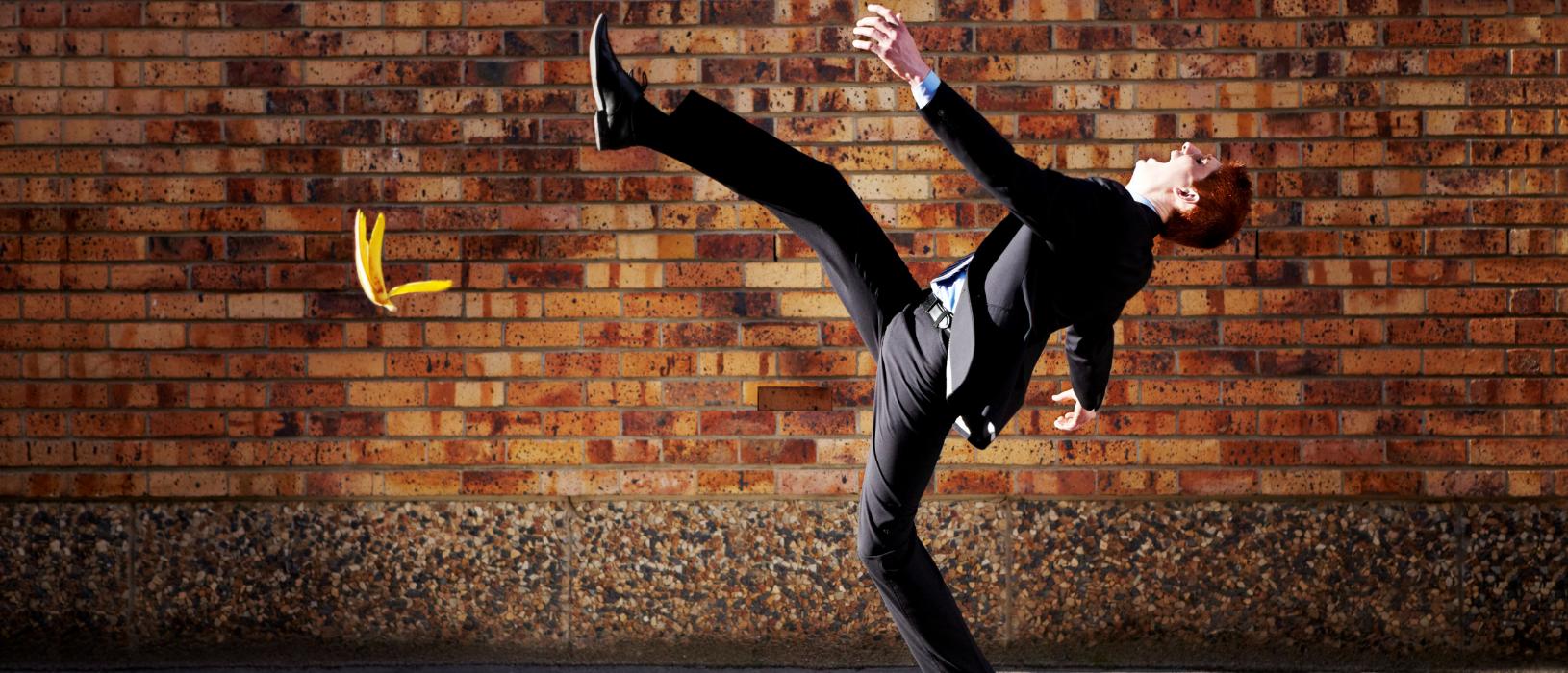 Wenn ein Schuss daneben geht: So mancher Marketing-Gag gerät zum Eigentor. Davor sind auch Profis nicht gefeit. Bild: iStock.com/PeopleImages