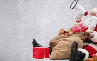 Schöne Bescherung: Der Weihnachtsmann hat alle Jahre wieder viele kreative Weihnachtskampagnen bekannter Marken im Gepäck! Wir stellen Ihnen fünf erfolgreiche und originelle Weihnachtskampagnen vor. Bild: istockphoto