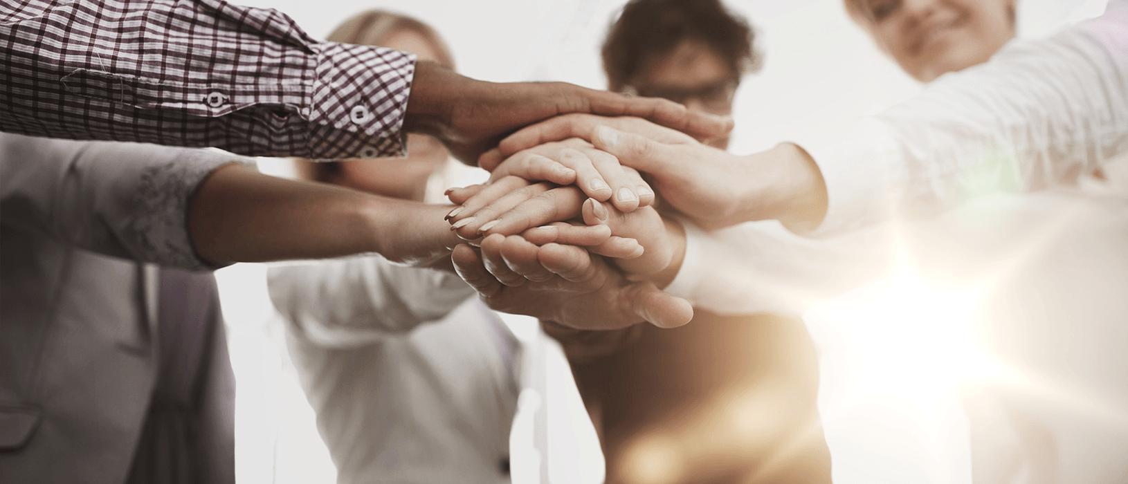 In Krisenzeiten ist Zusammenhalt besonders wichtig! Dies gilt auch für Unternehmen und Ihre (potentiellen) Kunden. Foto: Fotolia