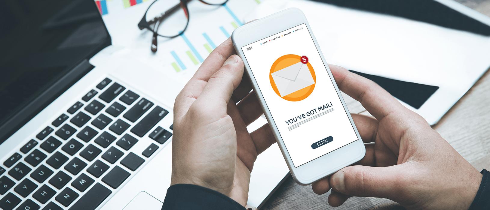 Das private und berufliche E-Mail-Postfach ist ein ständiger Begleiter. Daher ist E-Mail-Marketing ein wichtiger Kommunikationskanal für Unternehmen. Bild: iStock